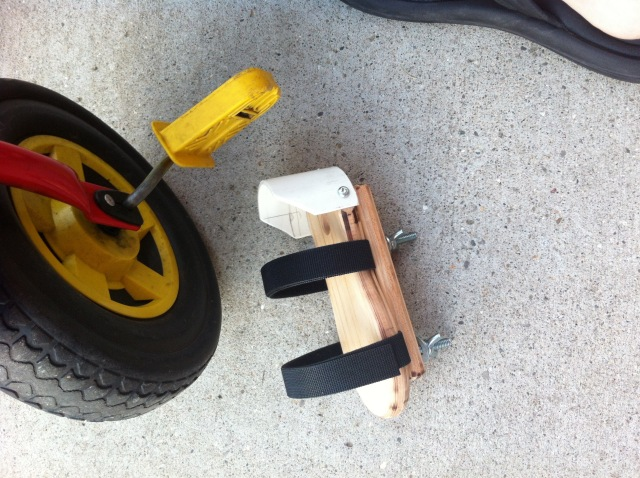 Tricycle and foot hold